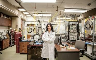 Assistant Professor Tiziana Vanorio in her lab