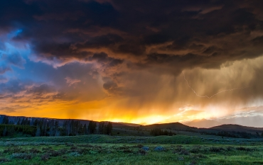 Clouds and lightning in Yellowstone