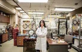 Tiziana Vanorio in her lab.