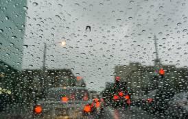 raindrop on car windshield